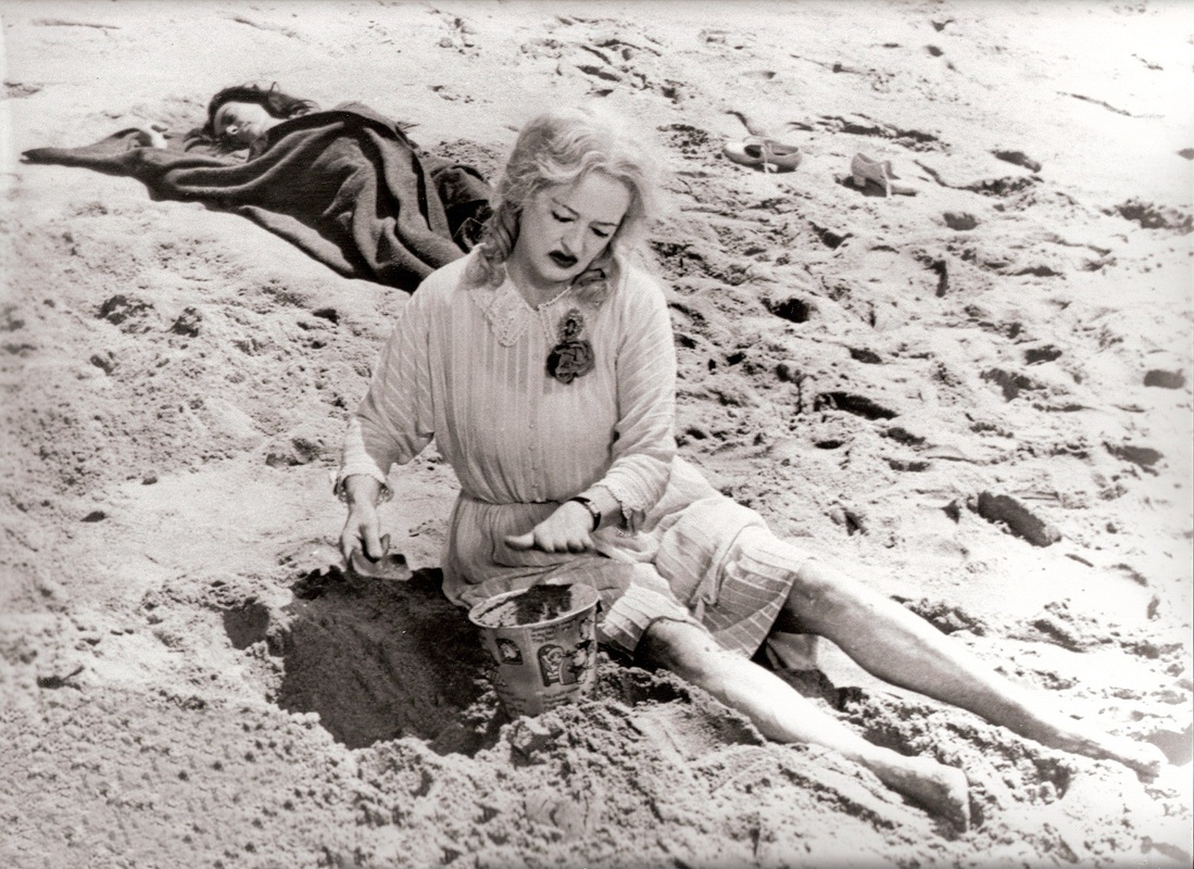 Baby Jane and Blanche on the Beach